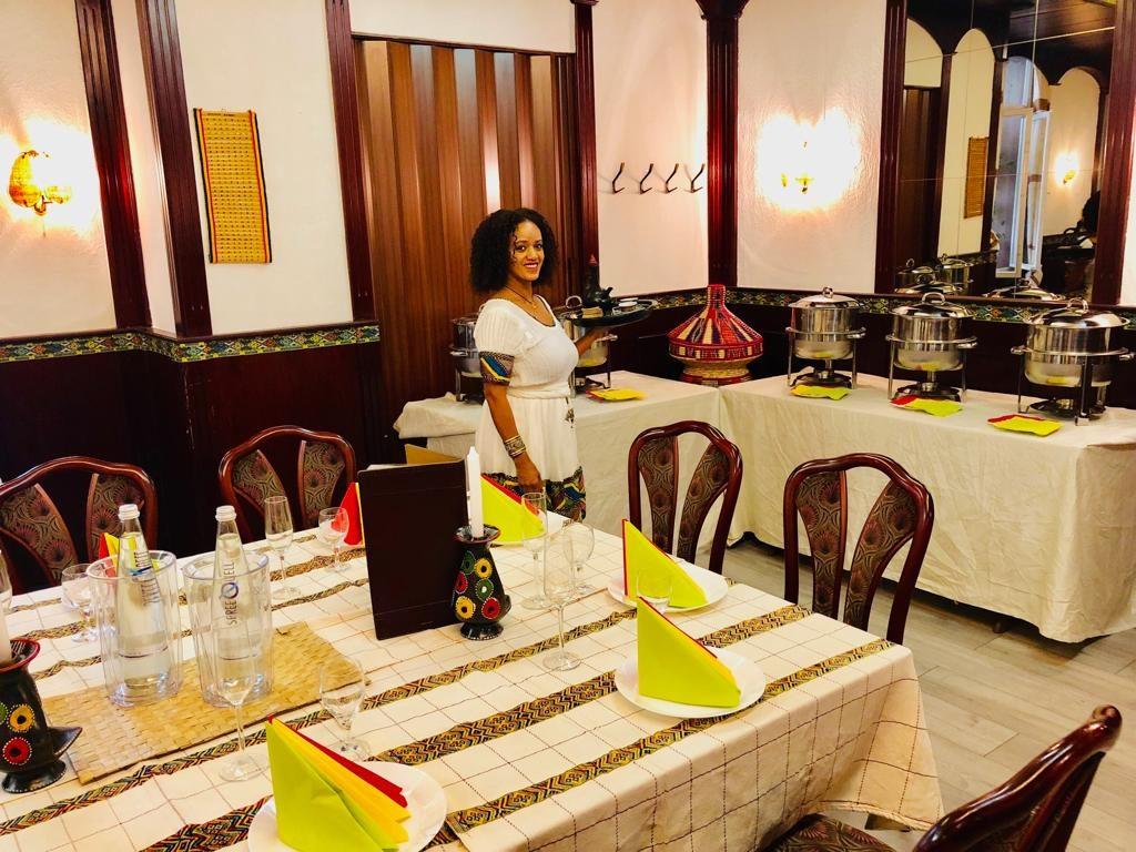 Bild der Inhaberin des äthiopischen Restaurants Addis Abeba